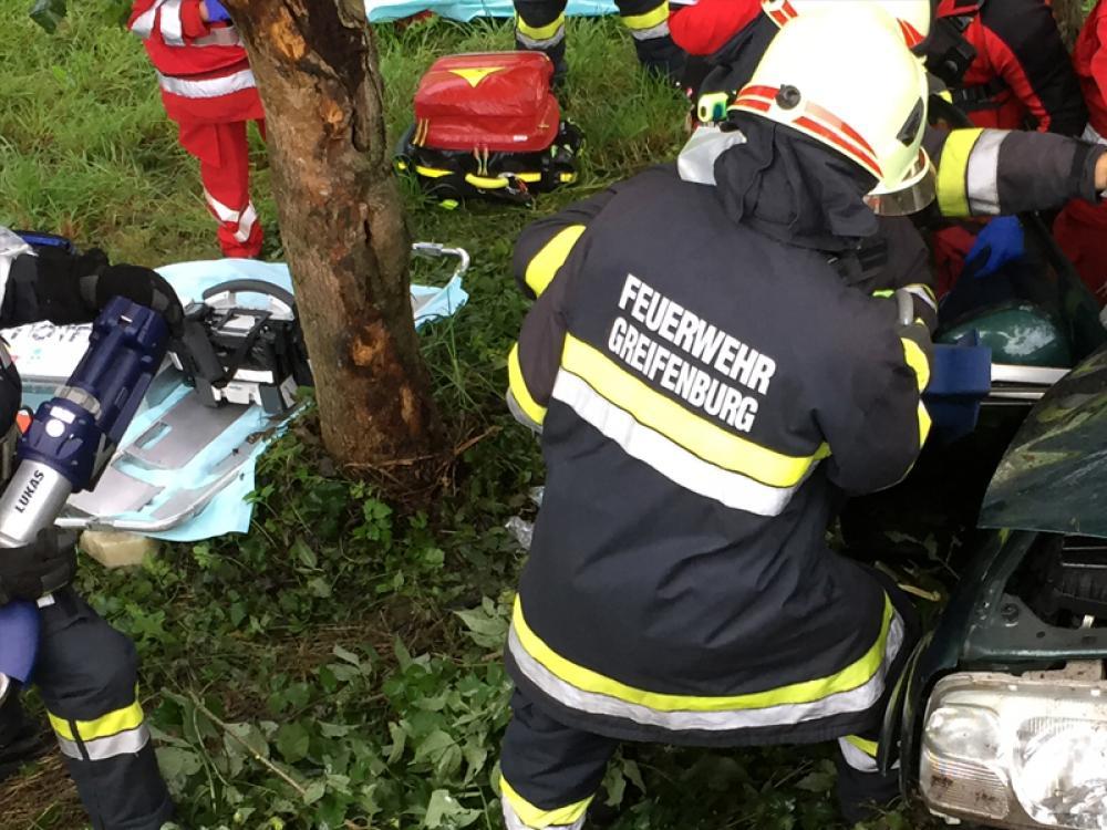 Verkehrsunfall B100 - Berg/Drau