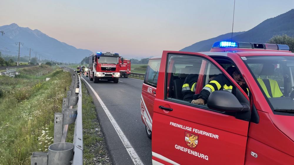 Verkehrsunfall auf der B100