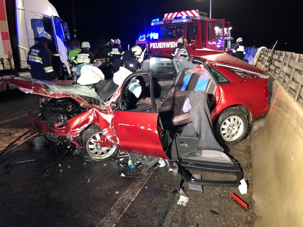Schwerer Verkehrsunfall in Steinfeld