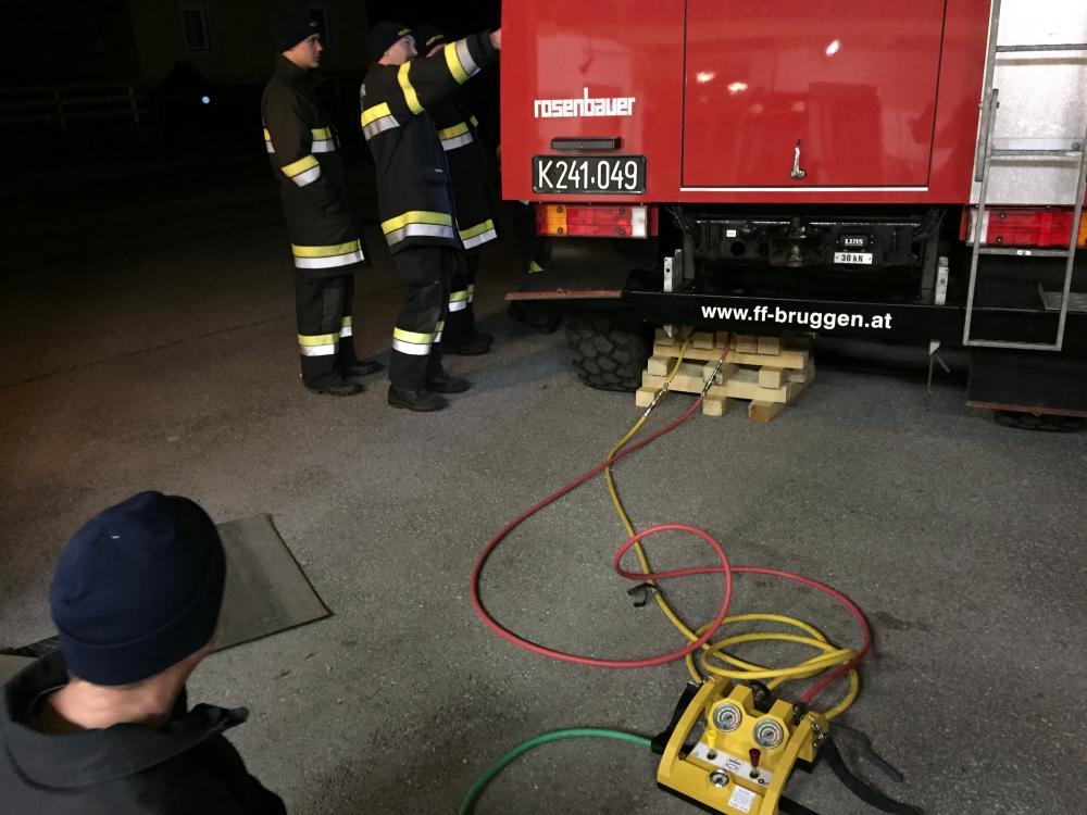 Fahrzeug- und Geräteübung